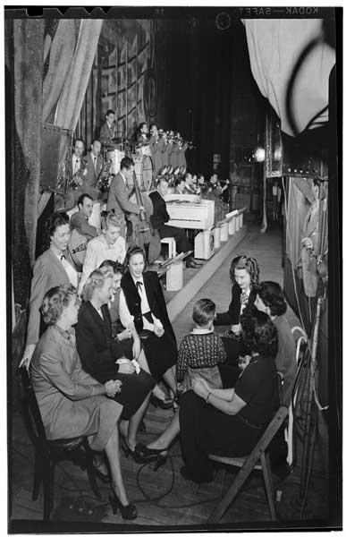 Portrait of Stan Kenton, June Christy, Laurindo Almeida, Eddie Safranski, Bob Gioga, Shelly Manne, Chico Alvarez, Ray Wetzel, and Harry Betts, Richmond, Va.(?), 1947 or 1948, (LOC)