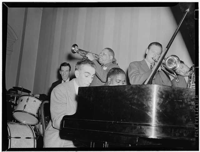 Portrait of Art Hodes, Henry Allen, Pete Johnson, Lou McGarity, and Lester Young, National Press Club, Washington, D.C., ca. 1940, (LOC)